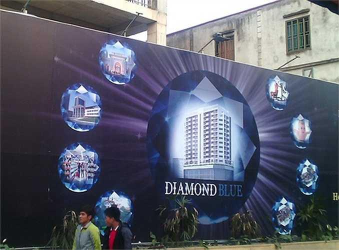Diamond Blue tọa lạc tại 69 Triều Khúc, Thanh Xuân do Công ty CP và công trình GTVT làm chủ đầu tư hiện cũng đang nợ 24 tỷ đồng tiền sử dụng đất.