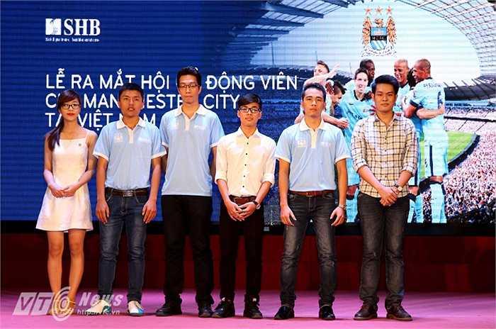 BCH mới của Hội CĐV Man City Việt Nam chính thức ra mắt. (Ảnh: Quang Minh)