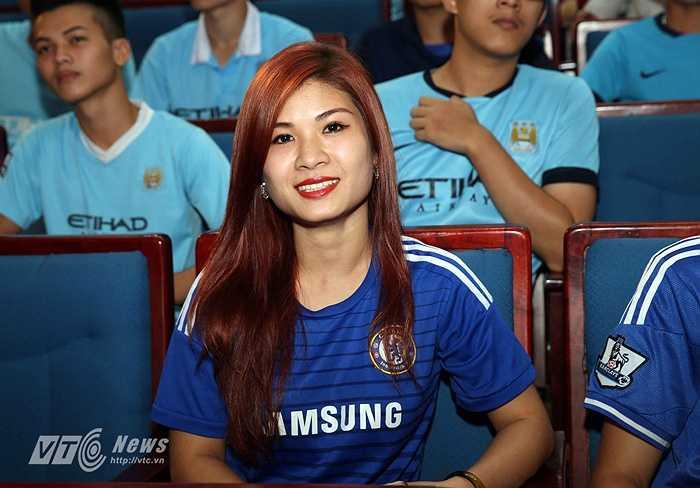 Đại diện Hội CĐV Chelsea tới dự buổi ra mắt.