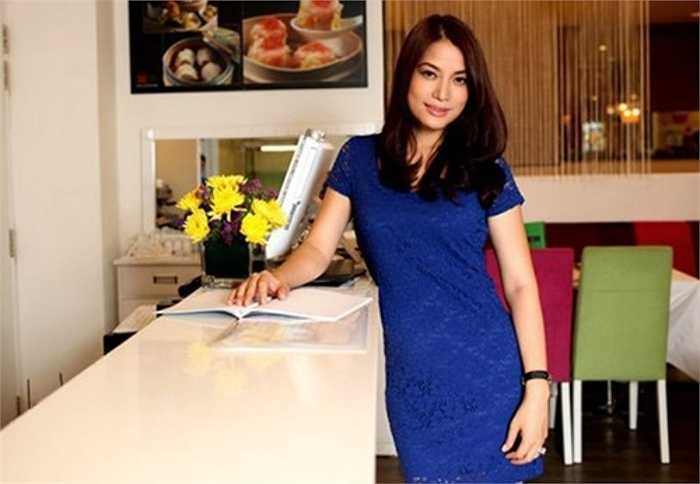 Trước đó, năm 2012, diễn viên Trương Ngọc Ánh cùng chồng cũ Trần Bảo Sơn đã khai trương nhà hàng Tao (Đạo) nằm trong một trung tâm thương mại lớn ở TP HCM.