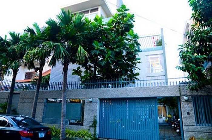 Nữ diễn viên xinh đẹp từng sống trong căn biệt thự rộng 500m2 tại khu Thảo Điền (TP HCM) cùng chồng cũ.