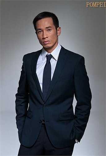 Tài tử Trần Hào và vợ Hoa hậu Hong Kong 2006 Trần Nhân Mỹ có một cuộc sống hạnh phúc bên hai cậu con trai đáng yêu. Nam diễn viên được đánh giá là người đàn ông của gia đình khi luôn là chỗ dựa tin cậy cho ba mẹ con.
