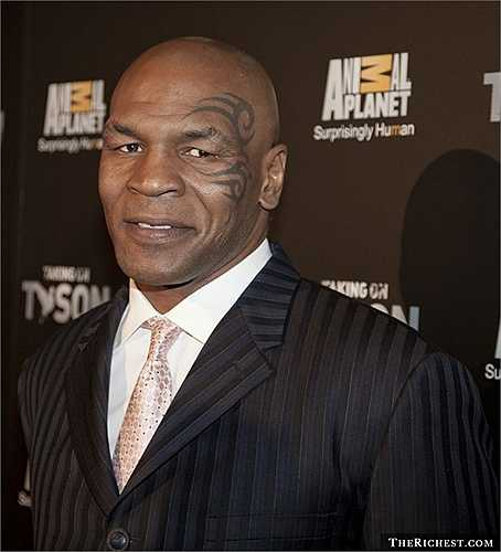 Mike Tyson. Sự nghiệp và cuộc sống đầy tai tiếng của tay đấm bốc hạng năm Mike Tyson đã trở nên quá quen thuộc với nhiều người. Sau xì căng đan cắn tai đối thủ, Mike Tyson từng phải đi tù vì tội hiếp dâm, sử dụng chất kích thích. Ra tù, tay đấm này cũng theo đuổi lối sống không lành mạnh và tiêu tiền như nước. Đến nay,Mike Tyson đã phải tuyên bố phá sản với khoản nợ lên tới 27 triệu USD
