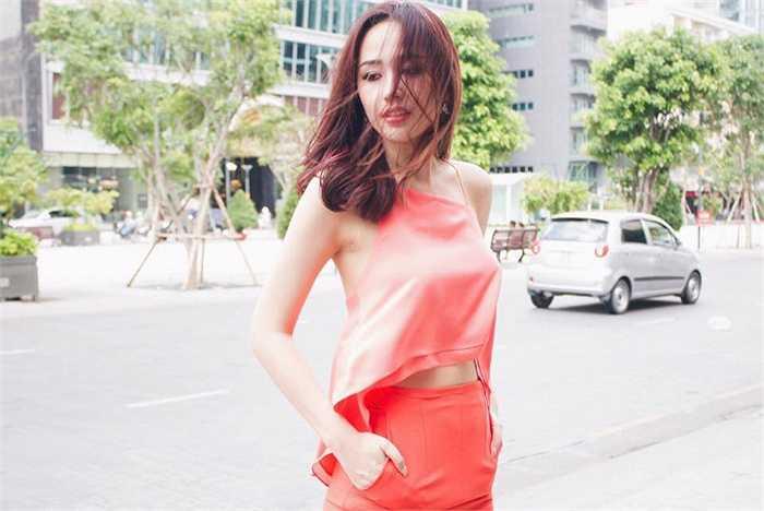 Hoa hậu Việt Nam 2006 chưa khi nào giảm 'sức nóng'.