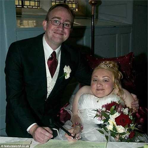Marie và Dan đã có một đám cưới tuyệt đẹp vào tháng 6/2013.