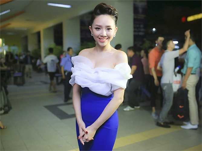 Tóc Tiên đang là gương mặt ca sỹ trẻ được yêu thích nhất trong showbiz Việt.