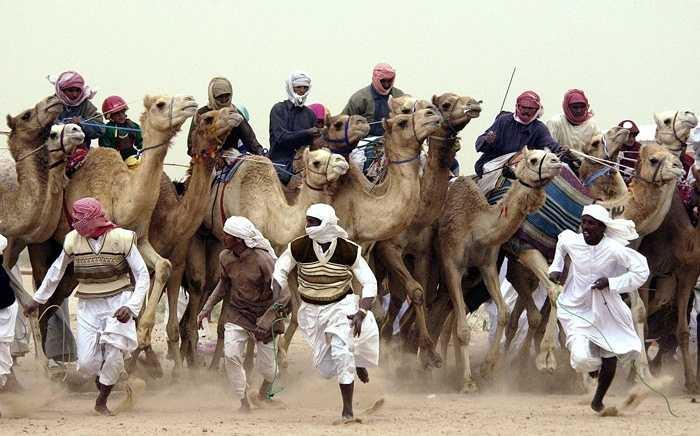 Kuwait. Kuwait là đất nước giàu thứ 5 thế giới với trữ lượng dầu thô khổng lồ. GDP bình quân đầu người là gần 71.000 USD và họ sở hữu chỉ 5 tỷ phú với tỷ lệ tỷ phú/người là 1/650.000