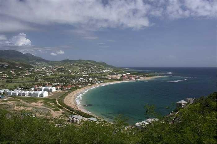 Saint Kitts và Nevis. Quốc gia Bắc Mỹ thậm chí còn có ít dân số hơn so với Guernsey (55.000 người) và chỉ có 1 tỷ phú duy nhất là ông Jacky Xu, một người gốc Hoa.