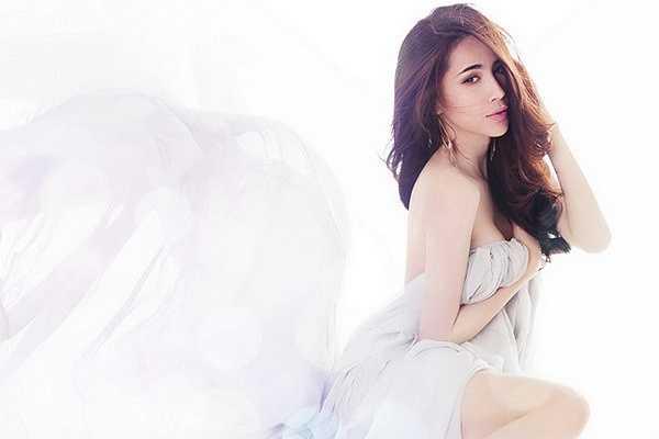 Trước khi chính thức là vợ chồng, Thủy Tiên đã sinh cho Công Vinh cô công chúa Bánh Gạo xinh xắn.