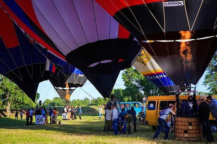 Cuộc thi có 43 khinh khí cầu đến từ 5 quốc gia trên thế giới