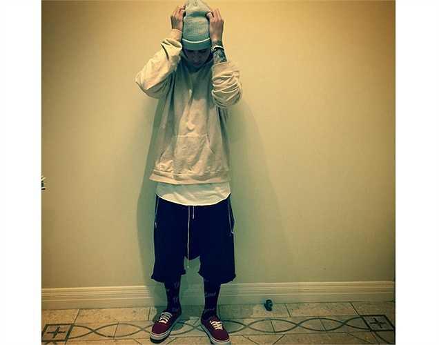 Fan thích thú với bức ảnh thể hiện phong cách thời trang luộm thuộm của Justin Bieber.