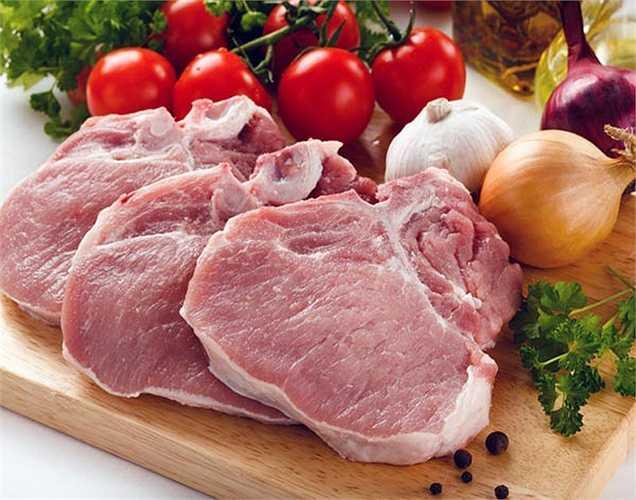 Ăn quá nhiều protein: Theo một nghiên cứu dùng quá nhiều protein trong chế độ ăn uống có thể gây hại cho thận. Sản phẩm khi tiêu hóa protein là amoniac. Nó là một chất độc mà thận cần phải trung hòa. Quá nhiều protein có nghĩa là thận phải nỗ lực nhiều hơn, dẫn đến giảm chức năng thận.
