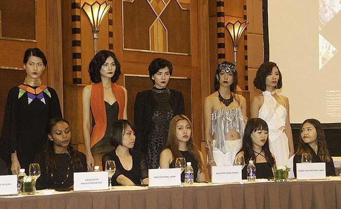 Chương trình thời trang do người mẫu chuyên nghiệp trình diễn những mẫu thời trang của các nhà thiết kế trẻ.
