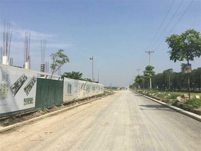 Khu đô thị Thanh Hà Cienco 5 có quy mô lên tới 400ha, là một trong những khu đô thị lớn của Thủ đô. Tuy nhiên, trong giai đoạn kinh tế suy thoái dự án đã phải tạm dừng triển khai.