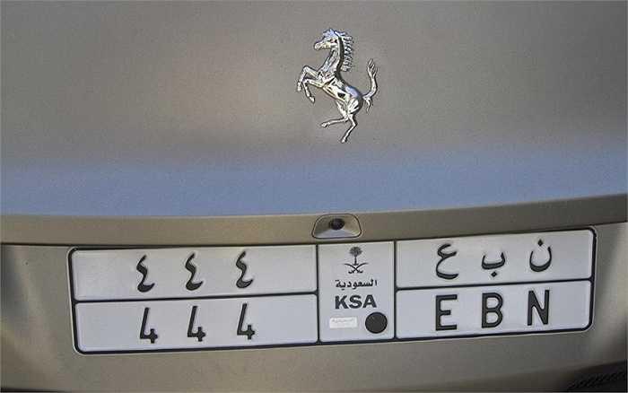 Thêm một chiếc Ferrari biển số xe đăng ký tại Ả rập Saudi.