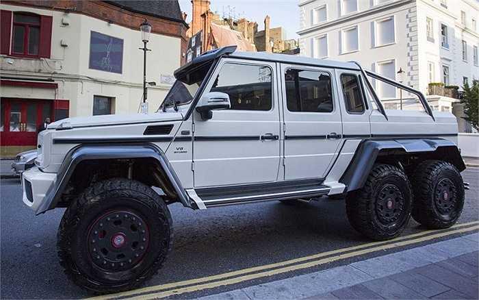 Vẻ hầm hố của Mercedes Benz G63 6X6, giá khoảng 380.000 bảng (gần 13 tỷ đồng).