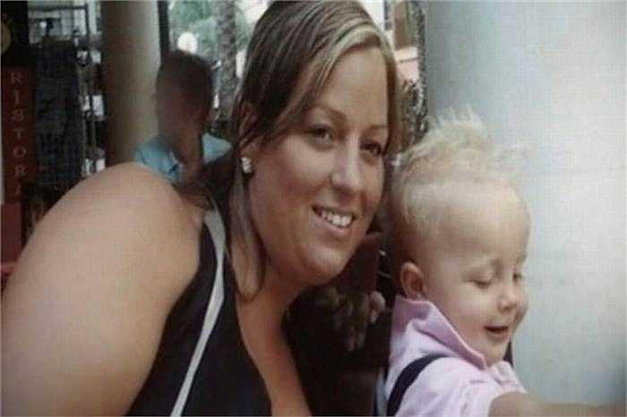 Vào năm 2007, Heidi từng bị béo phì với cân nặng 100kg và cô đã chi 8.500 bảng Anh (khoảng 290 triệu đồng) để phẫu thuật dạ dày nhằm giảm cân nặng.