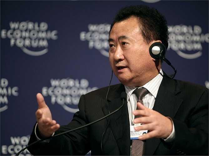 Wang Jianlin là ông trùm bất đông sản, chủ chuỗi rạp chiếu phim lớn nhất Trung Quốc. Ông sở hữu tài sản hơn 40,7 tỷ USD - đang là người giàu nhất nước này