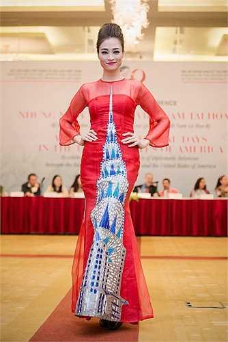 Chula: Chung thủy với chất liệu lụa Việt Nam, Chula luôn thể hiện rõ phong cách của mình với tình yêu tuyệt đối dành cho Việt Nam.