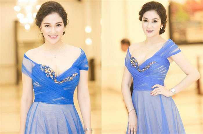 Khó có thể rời mắt khỏi những khoảnh khắc này của Hoa hậu Nguyễn Thị Huyền.