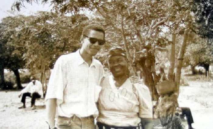 Tổng thống Obama và bà Sarah Hussein Obama  năm 1992