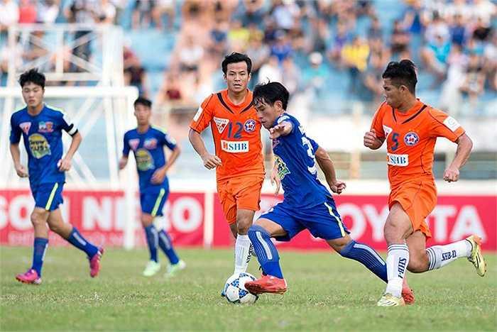 Tiền đạo trẻ Nguyễn Lam thay Công Phượng đá chính từ đầu và được giữa lại gần hết trận đấu nhưng không thể hiện được nhiều. (Ảnh: Hải Thịnh)
