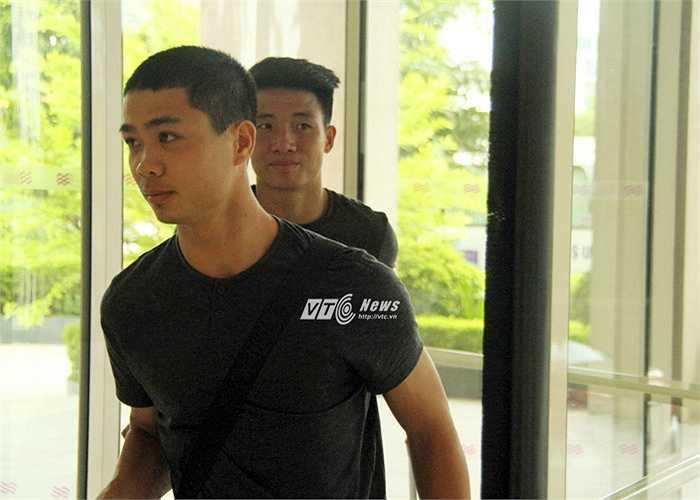 Ở đợt tập trung lần này, HLV Miura sắp xếp xen kẽ lứa cầu thủ trẻ cùng với các đàn anh. Công Phượng ở cùng phòng với Chí Công, người từng khiến anh 'im tiếng' ở lần đối đầu tại V-League.(Ảnh: Vân Nga)