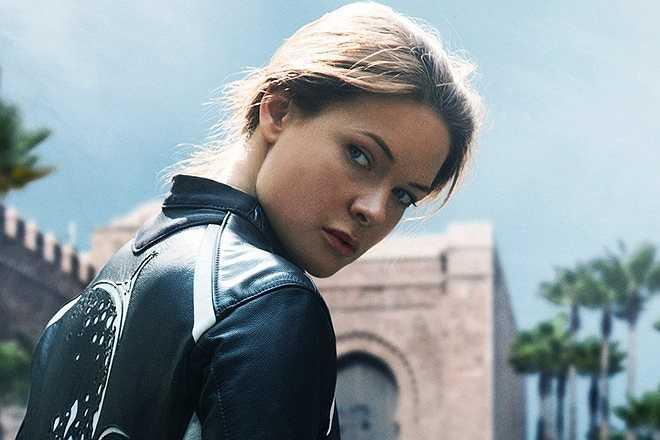 Rebecca Ferguson: Ở tập phim mới nhất, Rogue Nation, Ethan Hunt có nhiệm vụ vạch mặt tổ chức bí ẩn Syndicate. Trong quá trình thâm nhập, anh được giúp sức bởi Ilsa Faust, một cô gái được cho là nhân viên của tình báo nước Anh.
