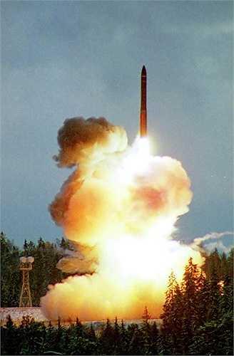 Topol-M phóng thử nghiệm năm 2001
