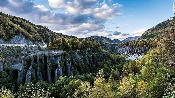 Thung lũng Chongun Rock nằm ở vùng biên giới giữa Trung Quốc và Triều Tiên