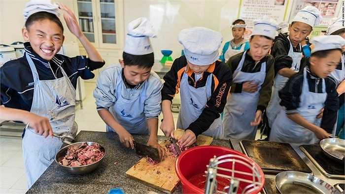 Một lớp học nấu ăn ở Triều Tiên