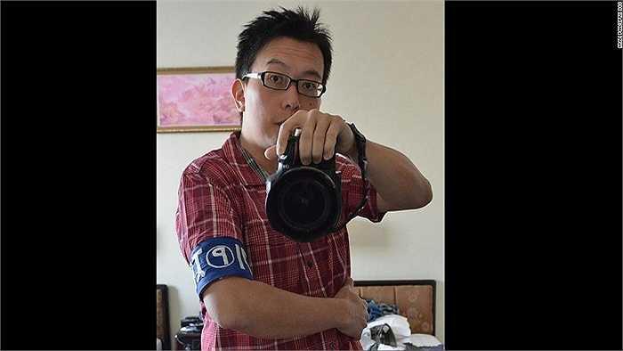 Pan được coi như là phóng viên khi ở Triều Tiên. Anh được yêu cầu đeo một chiếc băng báo chí ở cánh tay khi đi thăm quan đất nước này