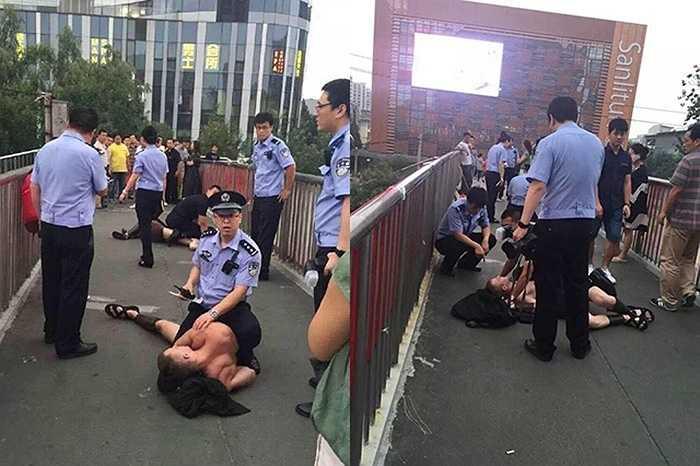 Bị cảnh sát khống chế vì cản trở giao thông