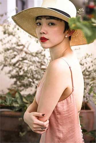 Mỗi lần xuất hiện, Tóc Tiên nhận được nhiều lời khen về nhan sắc cũng như vóc dáng sexy