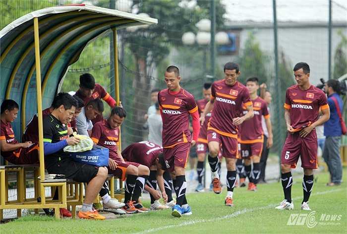 ĐT Việt Nam có buổi tập đầu tiên sáng 25/7 chuẩn bị cho trận giao hữu với Man City vào ngày 22/7 tới. (Ảnh: Hà Thành)
