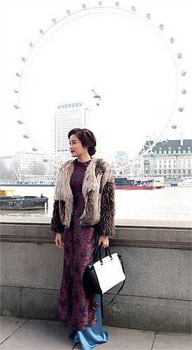 Chỉ 4 tháng sau khi đăng quang, bên cạnh những hoạt động ý nghĩa, Huyền My đã có sự lột xác ấn tượng về ngoại hình để chứng minh cô hoàn toàn xứng đáng với ngôi vị Á hậu Việt Nam 2014.
