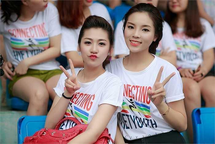 Hoa hậu Kỳ Duyên đã cùng Á hậu Tú Anh đến tham dự Giải chạy từ thiện CVY Innovation Marathon diễn ra tại Sân vận động Hàng Đẫy sáng nay.
