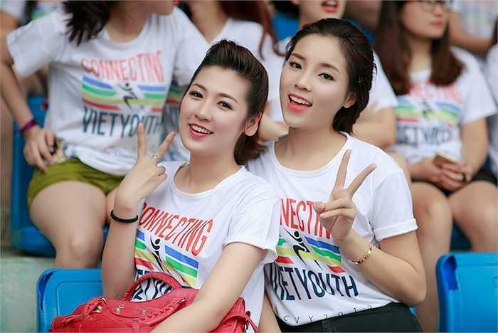 Giải chạy tình nguyện 'Kết nối tuổi trẻ Việt - Connecting Viet Youth' là sự tiếp nối thành công trong lần ra mắt đầu tiên vào mùa hè 2014.
