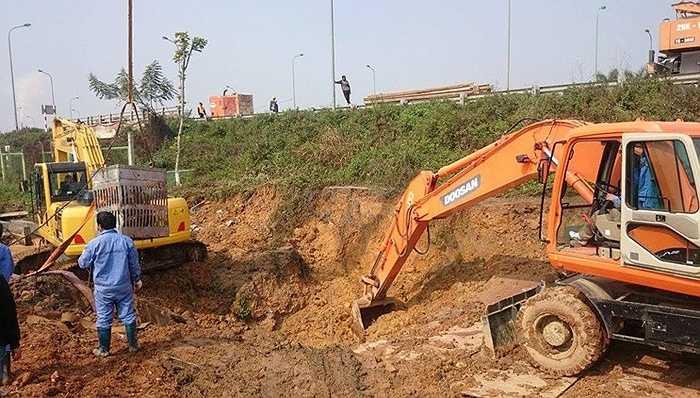 Hơn một tháng sau đó, đường ống này tiếp tục gặp sự cố vào ngày ngày 23/3/2013 tại Km26+850 đại lộ Thăng Long. Nhiều hộ dân rơi vào cảnh mất nước.