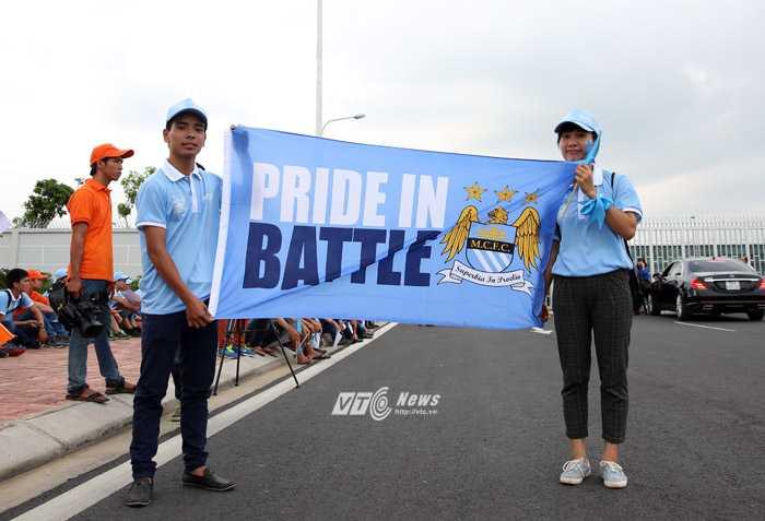 Fan Man City tại Nội Bài