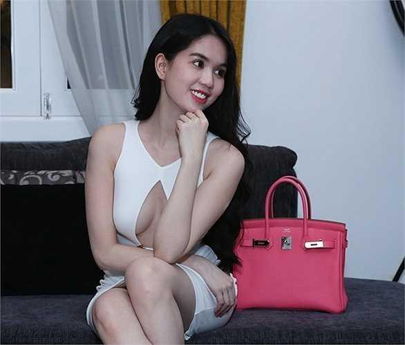 Cách ăn vận của Ngọc Trinh giúp cô khẳng định danh hiệu 'Nữ hoàng nội y' của showbiz Việt.