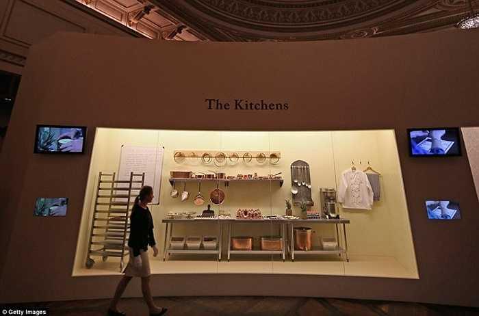Những đồ dùng trong gian bếp của cung điện Buckingham được trưng bày do khách tham quan.