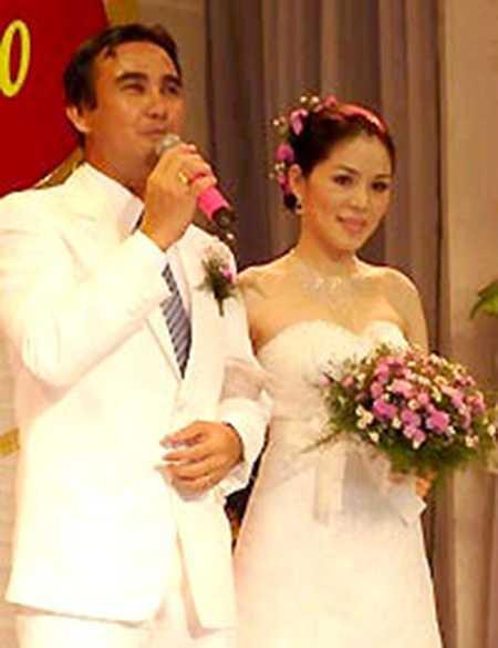 Ảnh cưới hiếm hoi của vợ chồng Quyền Linh