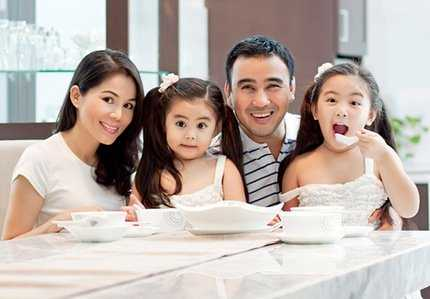 Gia đình hạnh phúc của MC - Diễn viên Quyền Linh