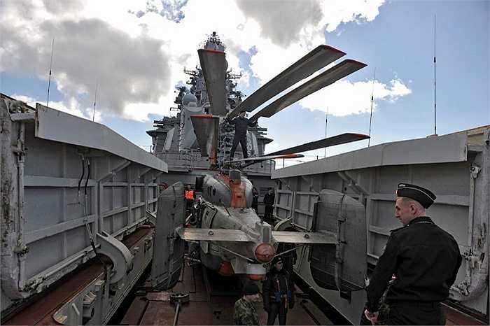 Máy bay trực thăng trên tuần dượng hạm Pyotr Veliky