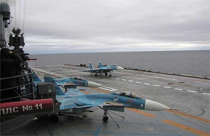 Cận cảnh tàu Kuznetsov được xem là tuần dương lớn nhất hiện nay