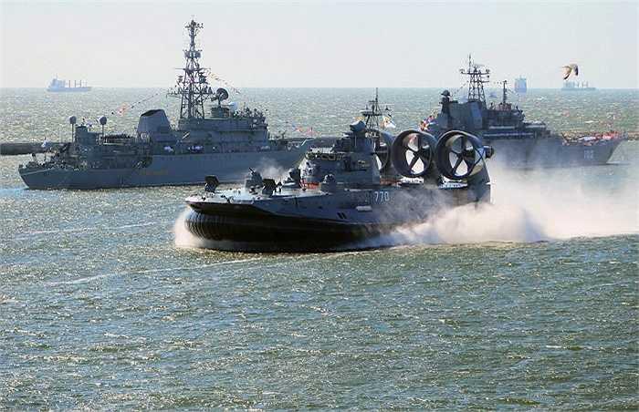 Tàu đổ bộ đệm khí Yevgeny Kocheshkov của Hải quân Nga