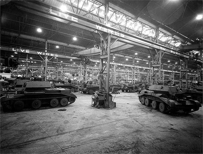 Nhà máy xe tăng ở Anh