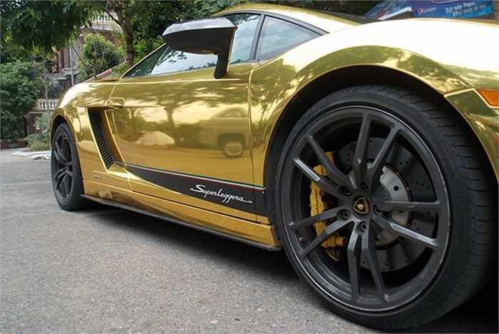 Cùng với Ferrari, Lamborghini là thương hiệu siêu xe được nhiều người chơi xe ở Việt Nam yêu thích và lựa chọn. Những dòng xe nổi tiếng Gallardo, Aventador, Huracan của hãng siêu xe mang biểu tượng bò mộng này đều đã có mặt tại Việt Nam.