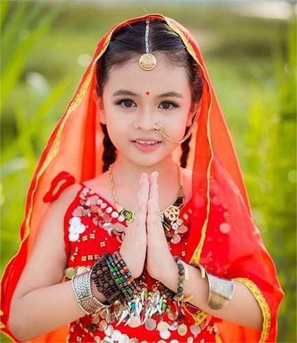Mới đây, bộ ảnh Cô dâu 8 tuổi phiên bản Việt thu hút sự chú ý của cộng đồng mạng. Nhân vật chính trong các bức hình này là cô bé Nguyễn Nhật Tường Vy (sinh năm 2006). Vy hiện là học sinh lớp 3, trường tiểu học Trần Phú, TP Quảng Ngãi.